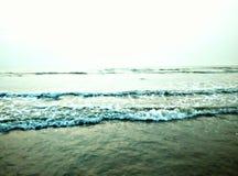 Reflact vatten på floden arkivfoto