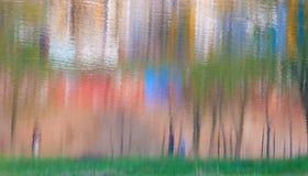 Reflaction del color en el agua Imagenes de archivo