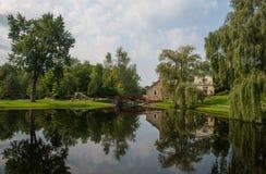 Reflecctions i vattnet fotografering för bildbyråer