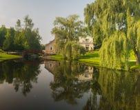 Reflecctions i vattnet arkivfoton