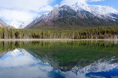 Reflection of Mount Engadine in Buller Pond Royalty Free Stock Photos