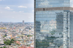 Reflection of sky on High-rise buildings Royalty Free Stock Photos