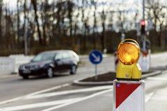 Reflector de la señal de peligro en la calle Fotografía de archivo libre de regalías