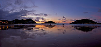 Reflejos en la playa de la Concha, Donostia. Royalty Free Stock Photography