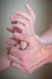 Refleksologia żeński cierpliwy nadgarstek i ręka Obrazy Royalty Free