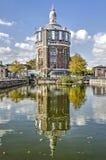 Reflektera för vattentorn royaltyfria bilder