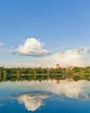 reflekterad flod Royaltyfria Bilder