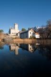reflekterad vertical för slott france Arkivbilder