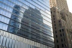 Reflekterande glass skyskrapor, Manhattan, New York City Arkivfoto