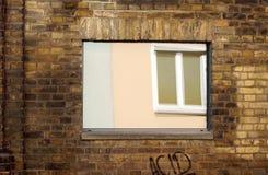 Reflekterat fönster arkivbilder