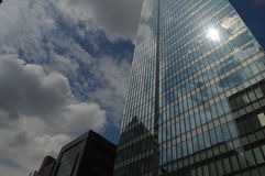 Reflektierende Gebäude Stockfotografie