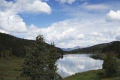 Reflektierende Wolken Stockfotografie