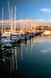 Reflektierender Jachthafen Stockfoto