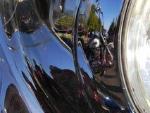 Reflektierendes Motorrad Stockfotografie