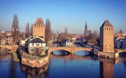 Reflektierte Brücke Lizenzfreie Stockfotografie