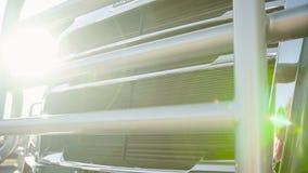 Reflektory nowa ciężarówka na słonecznym dniu zbiory wideo