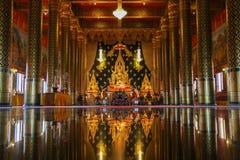 Reflexão bonita do staue da Buda Imagem de Stock