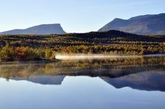 Reflexão calma do lago Fotografia de Stock