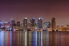 Reflexão da água da skyline de San Diego Imagem de Stock Royalty Free
