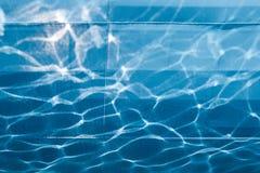 Reflexão da água em um corpo do navio Foto de Stock