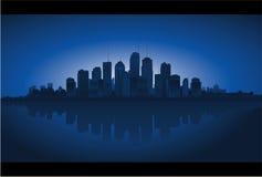 Reflexão da arquitectura da cidade na água ilustração royalty free