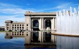 Reflexão da baixa de Kansas da estação da união Fotografia de Stock