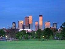 Reflexão da baixa de Minneapolis do vermelho Foto de Stock Royalty Free