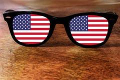 Reflexão da bandeira dos Estados Unidos ilustração royalty free