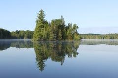 Reflexão da ilha Imagens de Stock Royalty Free