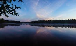 Reflexão da lagoa de Homme Fotos de Stock Royalty Free