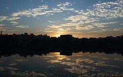 Reflexão da manhã imagens de stock