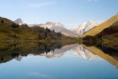 Reflexão da montanha Imagem de Stock