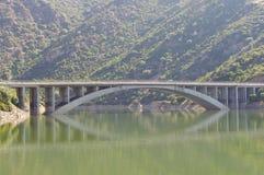 Reflexão da ponte Fotografia de Stock Royalty Free