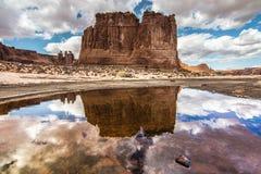 Reflexão da rocha do tribunal Fotografia de Stock