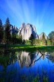 Reflexão de rochas da catedral Foto de Stock Royalty Free