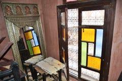 Reflexão de uma janela em um espelho foto de stock royalty free
