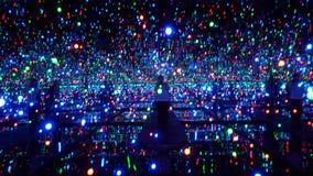 reflexão de vidro Yayoi Kusama Exhibition Singapore da infinidade da ilusão 3D imagens de stock royalty free