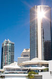 Reflexão do bloco de torre de Brisbane foto de stock royalty free