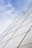 Reflexão do céu na construção de vidro Imagem de Stock Royalty Free