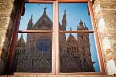 Reflexão do domo de Siena fotos de stock