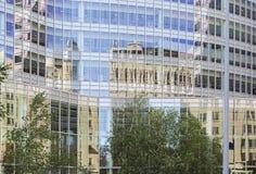 Reflexão do exterior de Mayo Clinic Gonda imagem de stock