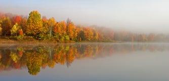 Reflexão do lago - vale de Canaan Imagens de Stock