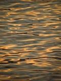 Reflexão do por do sol do verão no mar foto de stock royalty free