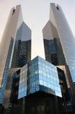 Reflexão em um arranha-céus Imagens de Stock Royalty Free