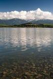 Reflexão em um lago fotografia de stock royalty free