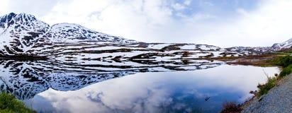 Reflexão glacial do lago foto de stock