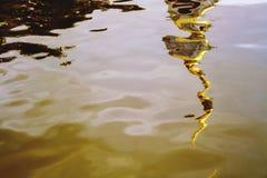 A reflexão na água imagem de stock royalty free