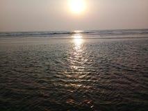 Reflexão na baía de Bengal foto de stock