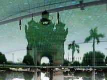 Reflexão na superfície da água Imagens de Stock