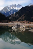Reflexão no lago da montanha Fotos de Stock Royalty Free